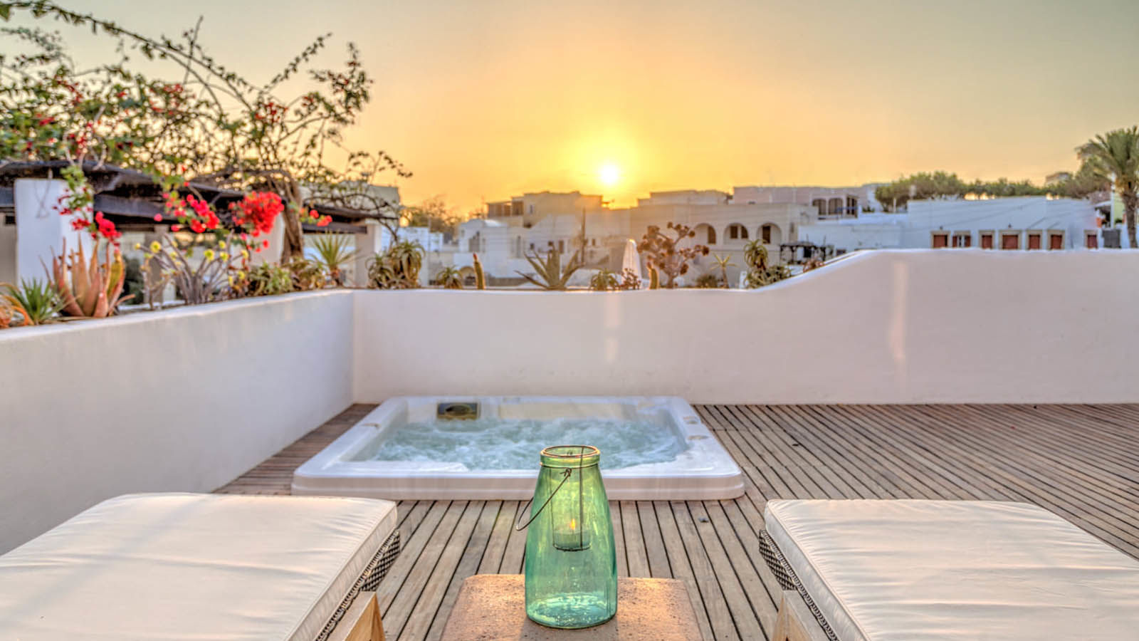 Honeymoons Santorini at Vedema a Luxury Collection Resort, Santorini Greece